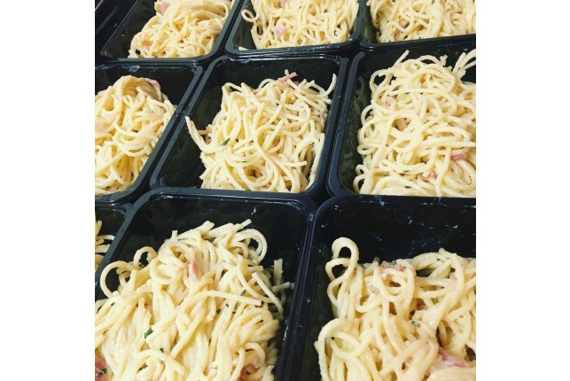 The Hungry Housewife's Eats Spaghetti Carbonara