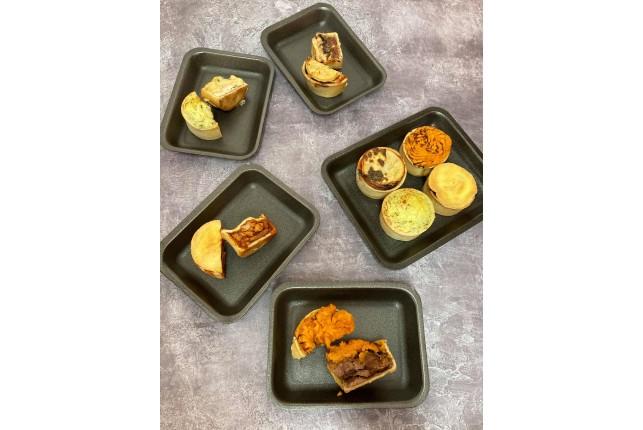 BRITISH PIE WEEK Selection of 4 Mini Pies